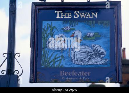 PUB SIGNS AMERSHAM THE SWAN - Stock Photo