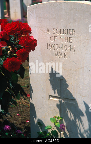 Grave stone of a soldier of the 1939 45 war Soudha Bay Allied War Cemetery Crete Greece - Stock Photo
