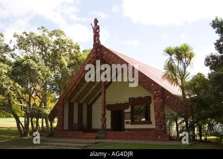 WAITANGI NORTH ISLAND NEW ZEALAND May Te Whare Runanga a meeting house opened during the Treaty Centenary Celebrations - Stock Photo