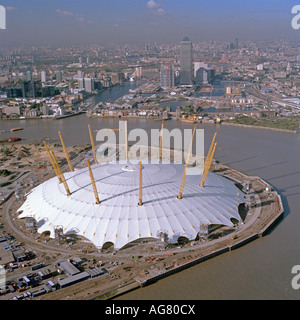 Aerial view of the Millennium Dome structure with masts and roof structuure in place. - Stock Photo