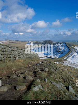 Spring view east to Cuddy's Crag, Hadrian's Wall, near Housesteads, Northumberland National Park, England, UK. - Stock Photo
