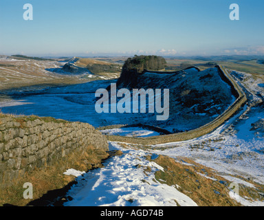 Winter view east to Cuddy's Crag, Hadrian's Wall, near Housesteads, Northumberland National Park, England, UK. - Stock Photo