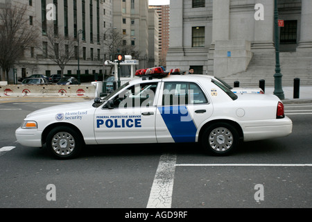 Homeland Security Federal protective service white police car outside courthouse new york city new york USA - Stock Photo