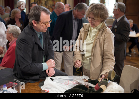 Eric Knowles. Antiques Roadshow. Arundel Castle 2006. BBC television - Stock Photo