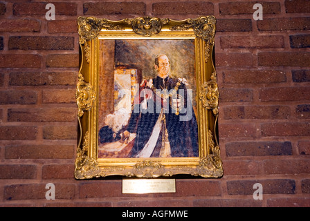 Pictures of HRH hanging inside a freemason masonic lodge - Stock Photo