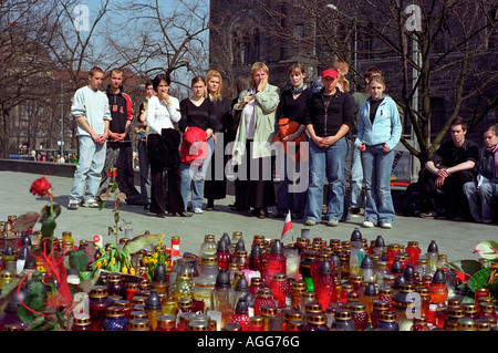 People in Poznan mourning after the death of Pope John Paul II, Poland - Stock Photo