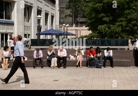 People out at lunchtime, Canary Wharf ,London, England, Britain, UK. - Stock Photo