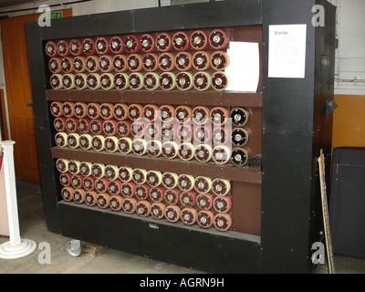 A replica Bombe, a World War Two Enigma code-breaking machine, at the Bletchley Park code breaking Centre. - Stock Photo