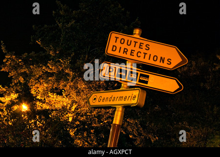 A French street sign showing 'Toutes Directions' - Stock Photo