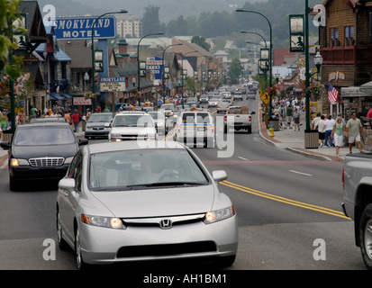 Traffic congestion and hazy air pollution, Gatlinburg, Tennessee, gateway to Great Smoky Mountains National Park - Stock Photo