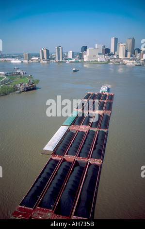 coal barge on mississippi river passes under eads bridge in st louis stock photo 20979859 alamy. Black Bedroom Furniture Sets. Home Design Ideas