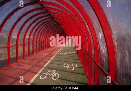 perspex covered cycle lane and walkway to SECC Fienneston glasgow - Stock Photo