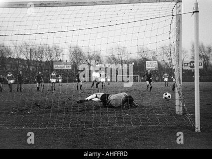 football, Bundesliga, 1965/1966, FC Schalke 04 versus 1. FC Kaiserslautern 2:1, Stadium Glueckaufkampfbahn in Gelsenkirchen, - Stock Photo