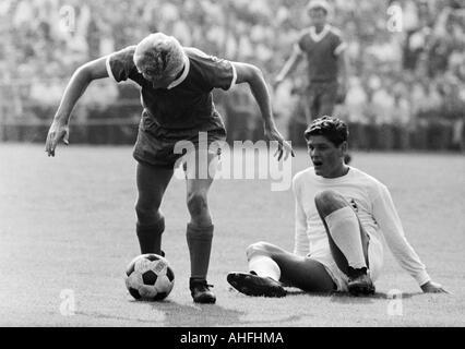 football, Bundesliga, 1966/1967, FC Schalke 04 versus Borussia Moenchengladbach 0:0, Stadium Glueckaufkampfbahn - Stock Photo