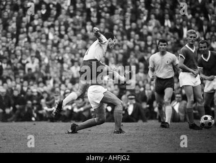 football, Bundesliga, 1966/1967, FC Schalke 04 versus Eintracht Brunswick 0:0, Stadium Glueckaufkampfbahn in Gelsenkirchen, - Stock Photo