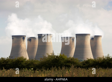 Cooling towers at Drax power station near Selby, North Yorkshire, England, UK - Stock Photo