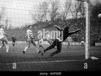 football, Bundesliga, 1972/1973, FC Schalke 04 versus MSV Duisburg 1:1, Glueckaufkampfbahn Stadium in Gelsenkirchen, - Stock Photo