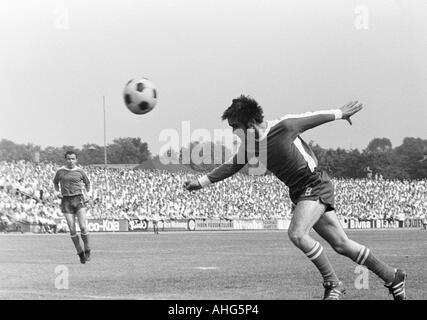 football, Regionalliga 1968/1969, promotion match to the Bundesliga 1969/1970, Rot-Weiss Oberhausen versus SV Alsenborn - Stock Photo