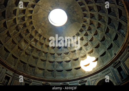 Pantheon Rome in 1987 before restoration - Stock Photo