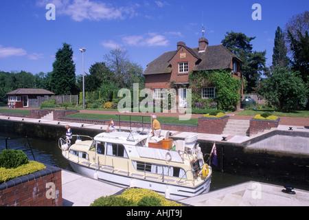 Hambleden Lock River Thames Buckinghamshire - Stock Photo