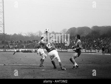 football, Bundesliga, 1970/1971, Niederrhein Stadium, Rot-Weiss Oberhausen versus Kickers Offenbach 2:2, scene of - Stock Photo