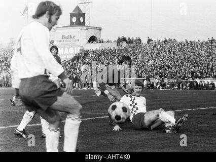 football, Bundesliga, 1970/1971, Niederrhein Stadium, Rot-Weiss Oberhausen versus Rot-Weiss Essen 0:0, scene of - Stock Photo