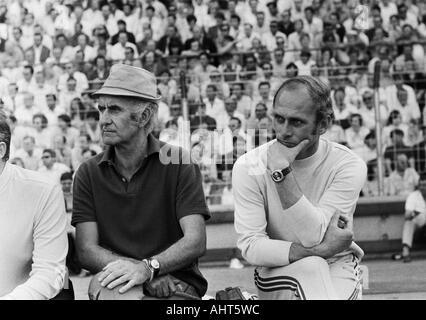 football, Bundesliga, 1970/1971, MSV Duisburg versus FC Bayern Munich 2:0, Wedau Stadium in Duisburg, coaching bench - Stock Photo