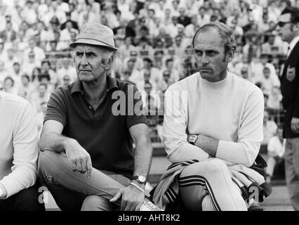 football, Bundesliga, 1970/1971, MSV Duisburg versus FC Bayern Munich 2:0, Wedau Stadium in Duisburg, coaching bench - Stock Photo