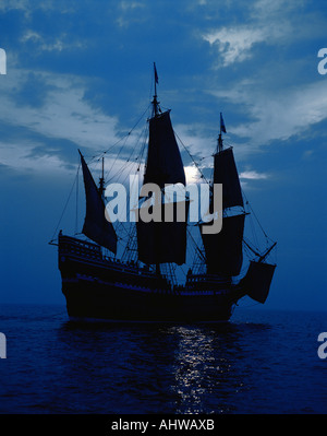 This is a replica of the ship Mayflower II It demonstrates the first sailing in 1620 when the Pilgrims sailed to - Stock Photo