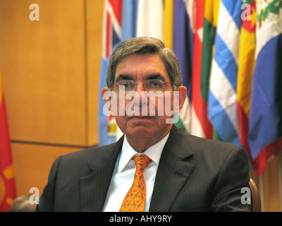 Oscar Arias the President of Costa Rica and Nobel Peace Prize laureate - Stock Photo