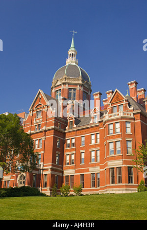 BALTIMORE MARYLAND USA Johns Hopkins Hospital building exterior - Stock Photo