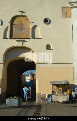 Auros vartai gates of dawn senamiestis Vilnius Lithuania - Stock Photo
