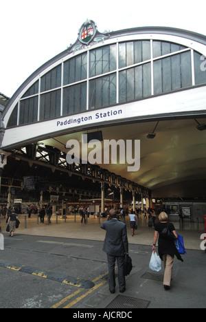 London Paddington railway terminal main passenger entrance - Stock Photo