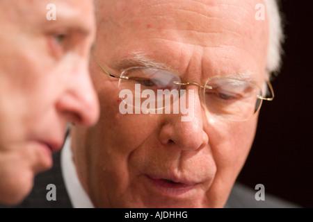 WASHINGTON DC USA U S Senators Arlen Specter R PA left and Patrick Leahy D VT of the the Senate Judiciary Committee - Stock Photo