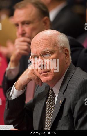 WASHINGTON DC USA U S Senator Patrick Leahy D VT of the the Senate Judiciary Committee. At rear is Senator Arlen - Stock Photo