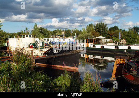 River Saone in the Cote D Or France Boats on Moorings at St Jean de Losne near Dijon Holiday homes - Stock Photo