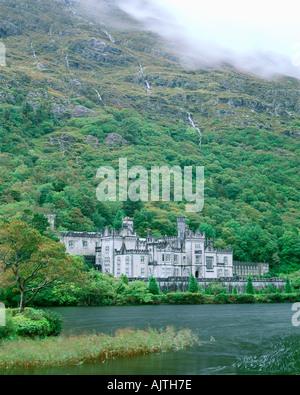 County Galway Ireland Kylemore Abbey under the slopes of the Twelve Bens Kylemore Lough Connemara region - Stock Photo