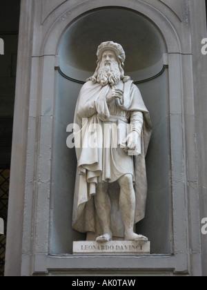 Leonardo da Vinci statue Firenze Italy - Stock Photo