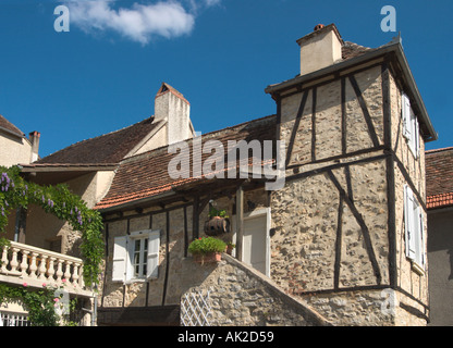 House in the Place des Consuls in the old bastide town of Bretenoux, Dordogne, France - Stock Photo
