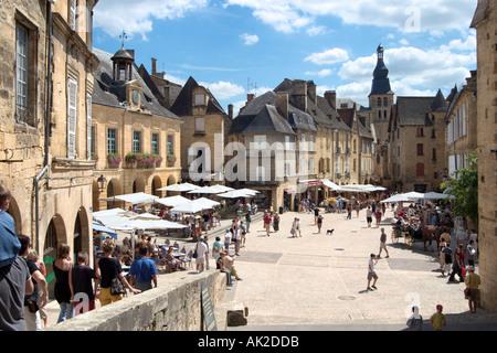 Sarlat-la-Canéda.Place de la Liberte in the centre of the Old Town, Sarlat, Perigord Noir, Dordogne, France