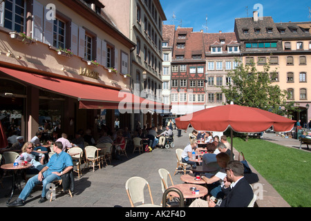 Sidewalk cafe in the city centre, Strasbourg, Alsace, France - Stock Photo