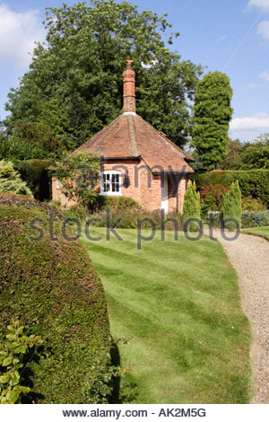 Well Cottage at The Maharajah's Well, Stoke Row, Oxfordshire - Stock Photo
