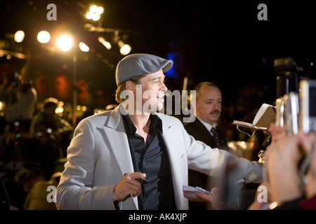 Beo Wulf  - European film premiere London leicester sqaure, brad pitt with angelina jolie. - Stock Photo