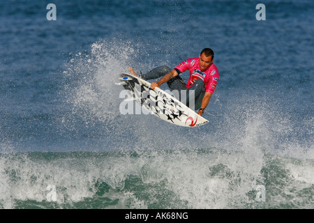 Brazil's professional surfer Raoni Monteiro surfs a wave during the ASP Quicksilver PRO France 2007 in Hossegor - Stock Photo