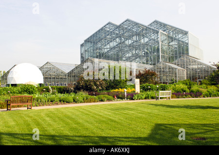 The Tropical Conservatory at the Frederik Meijer Gardens Grand ...