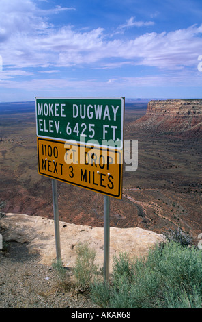 Moki Dugway ascends or descends a thousand feet of Cedar Mesa in its two or three miles through a series of tight - Stock Photo
