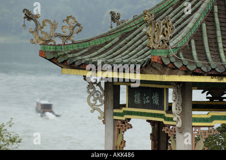China, Guangxi, Yangshuo County - A Typical Pavilion And A Boat On Li River - Stock Photo