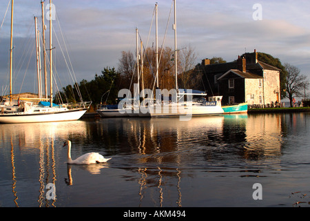 Turf Locks pub on Exeter Canal between Exeter and Exmouth on River Exe estuary in south Devon England UK GB - Stock Photo