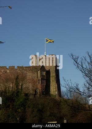 Tamworth Castle flying ancient flag of Mercia - Stock Photo