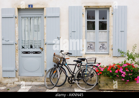Traditional home with bicycles Ile De Re France - Stock Photo